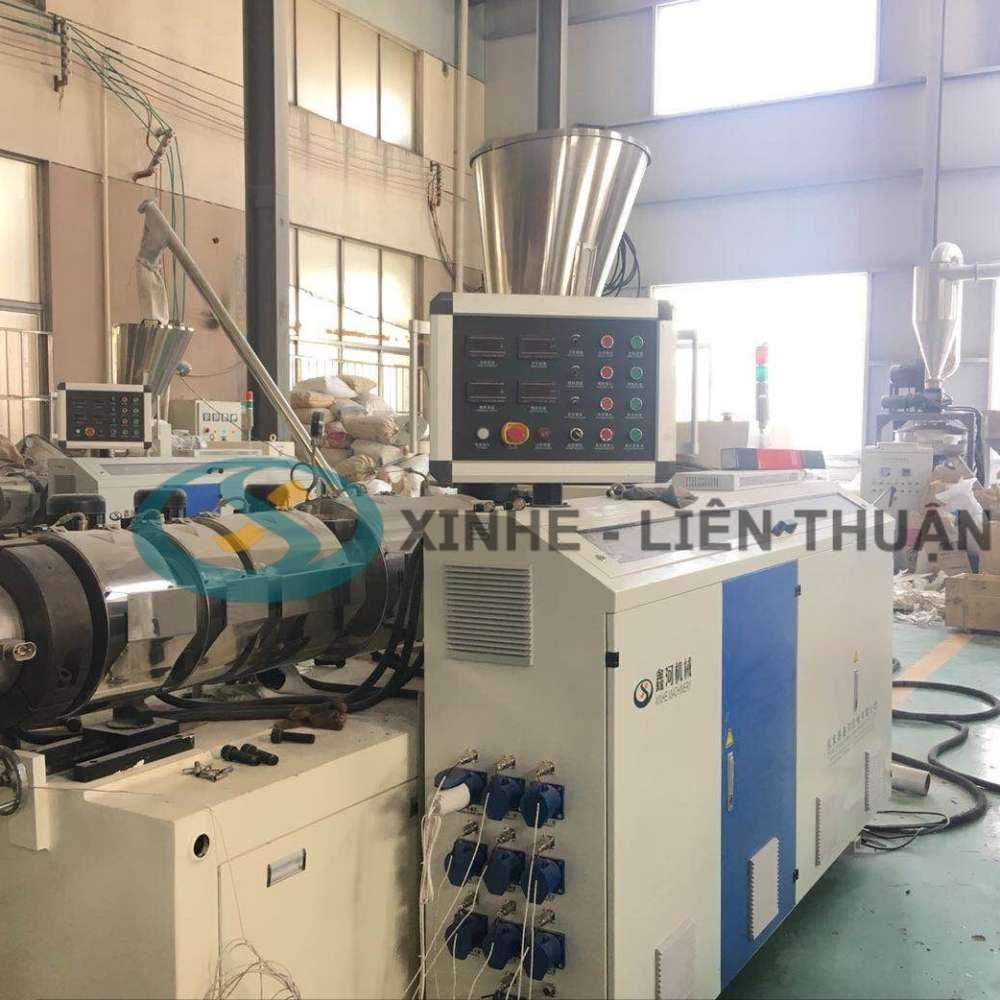 máy sản xuất tấm nhựa giả đá pvc