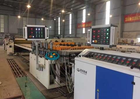 Máy sản xuất tấm la phông tấm trần nhựa pvc