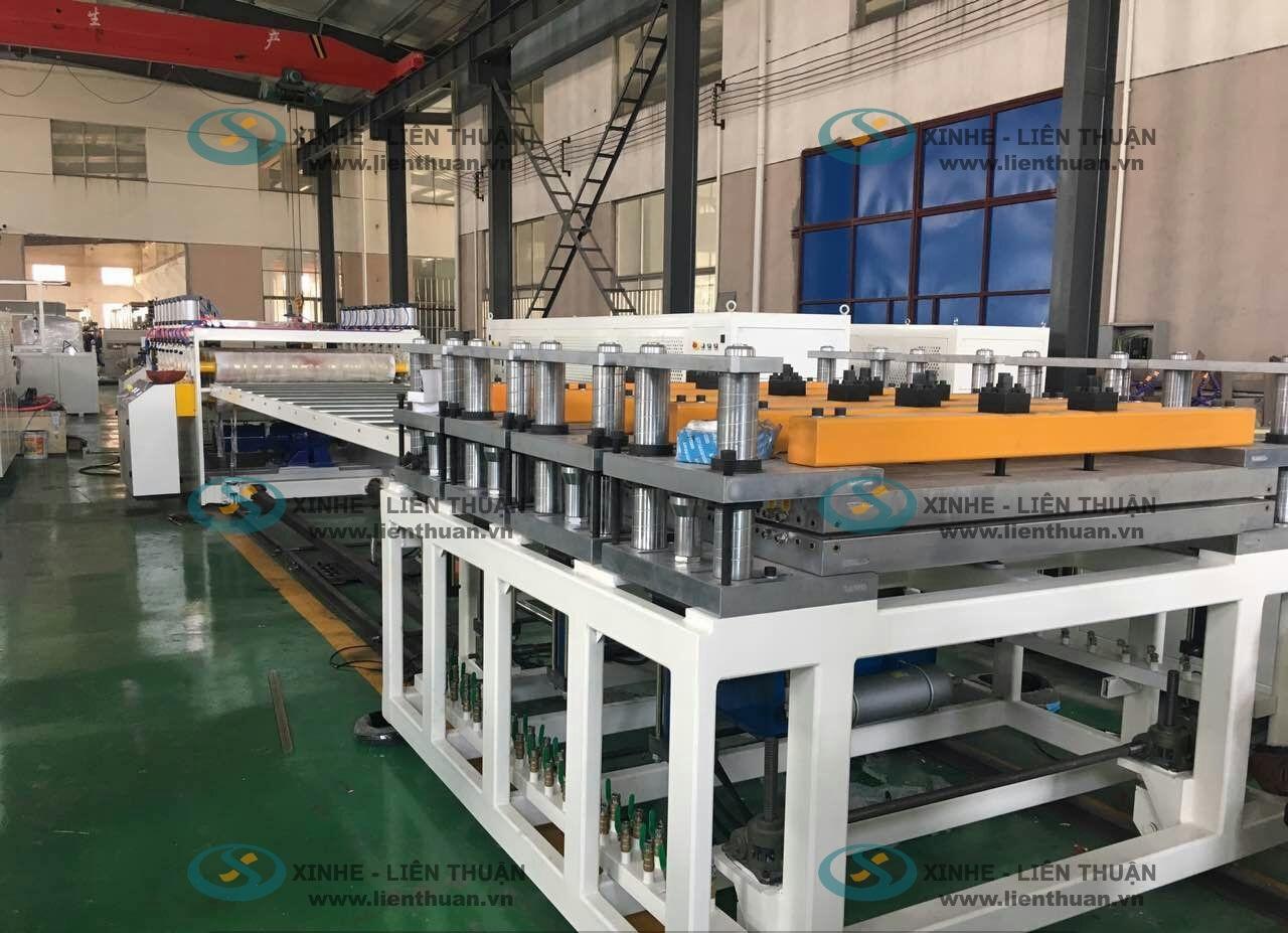 tam-op-tuong-PVC-nano-1200mm